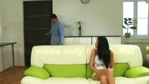 tenåring blowjob kyssing brunette